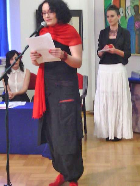 Recitiranje pesnice Maje Gal Štromar iz Ljubljane v Galeriji Prica v Samoborju. Foto: a.k.m.