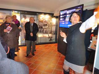 Ogled sodobno zasnovane razstave v Maistrovi rojstni hiši. Foto: akm