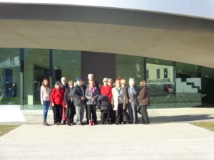 Članovi Vijeća ispred Kulturnog centra europskih svemirskih tehnologija u Vitanju kod Celja. Foto: nn